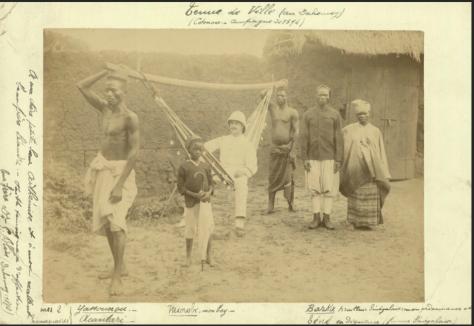 קולוניאליסט עם משרתיו